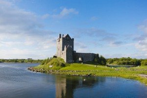 cycle-clare-dunguaire-castle